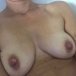 Nips - Big Tits, Amateur, Big Nipples