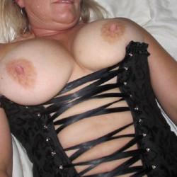 My medium tits - Milf Flash