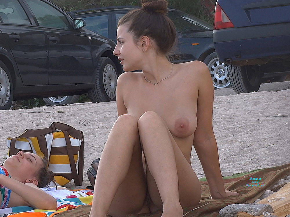Pic #6 Hairy Brunette 2 - Nude Girls, Big Tits, Brunette, Outdoors, Bush Or Hairy, Beach Voyeur