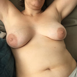 Wife Showing Tits - Big Tits, Wife/wives, Amateur