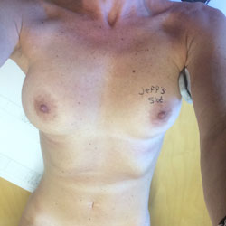 Sexy Exhibitionist - Nude Girls, Big Tits, Shaved, Amateur