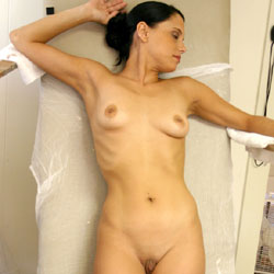 Body Molding Classes - Nude Girls, Brunette, Shaved