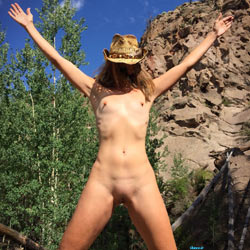 Nirvana Climbing - Nude Girls, Outdoors, Shaved, Nature, Amateur