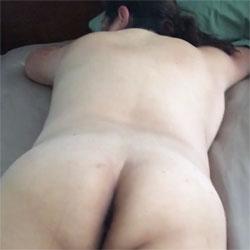 Tush Tease - Nude Amateurs