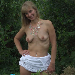 Picnic Fun - Nude Amateurs, Big Tits, Outdoors, Nature, Bush Or Hairy