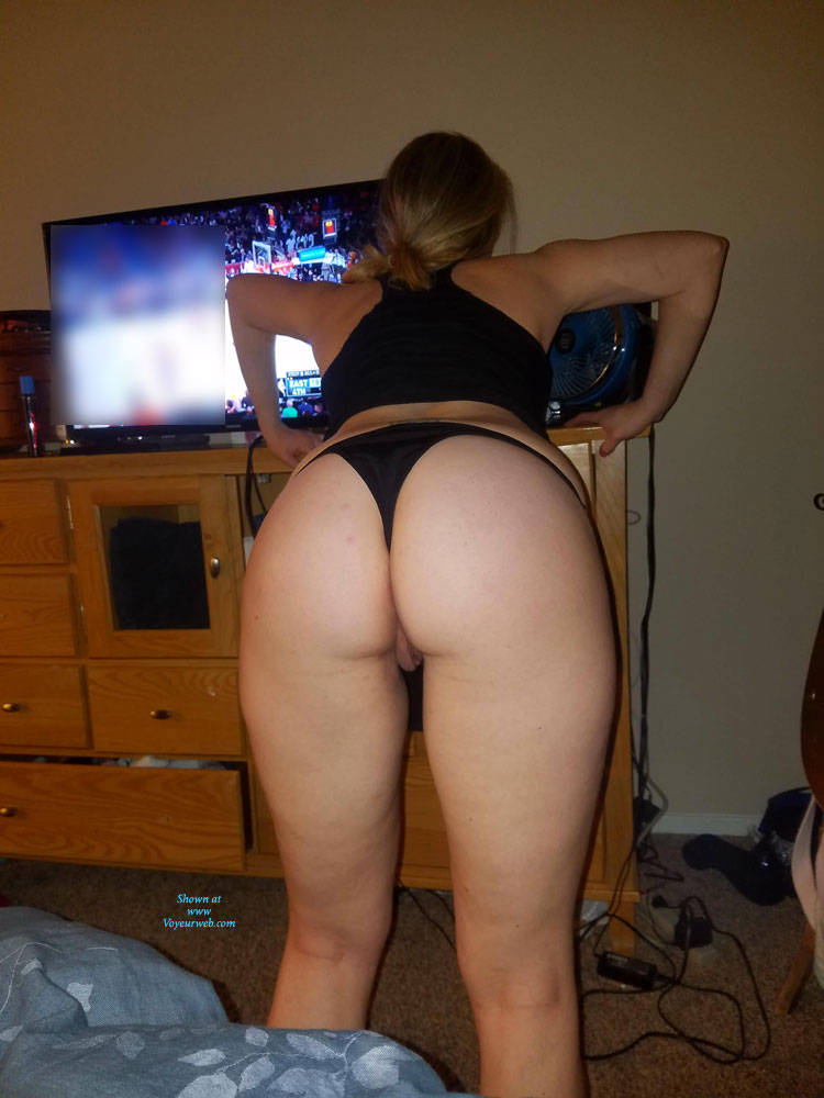 Super hot brunette girls naked