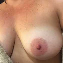 Tit Pics - Big Tits, Wife/Wives, Amateur, Natural Tits