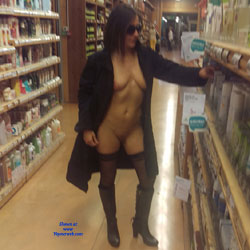 Un Samedi A MTP (Exhib) 2 Partie - Big Tits, Brunette, Public Exhibitionist, Flashing, Public Place, Amateur