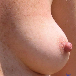 Just Tits - Amateur, Big Nipples