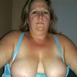 Just Hanging - Big Tits, Lingerie, Amateur