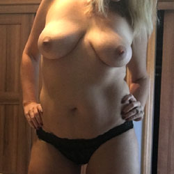 Feeling Sexy - Wives In Lingerie, Big Tits, Amateur
