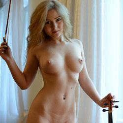 Like U All - Nude Girls, Blonde
