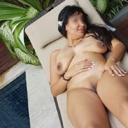 My Hot Wife Naked In The Hotel Public Pool - Nude Wives, Big Tits, Outdoors, Amateur