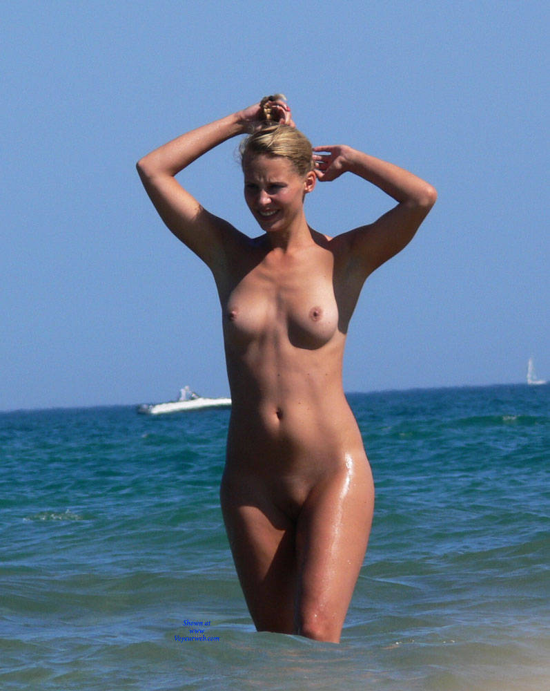 Pic #4 Summer Time! - Nude Girls, Outdoors, Shaved, Beach Voyeur