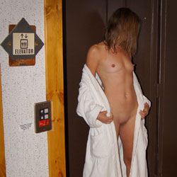 Hot Nirvana At Elevator - Blonde Hair, Firm Tits, Hard Nipple, Heels, Nipples, No Panties, Shaved Pussy, Showing Tits, Hot Girl, Sexy Body, Sexy Face, Sexy Figure, Sexy Girl, Sexy Legs, Sexy Woman