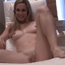 Naked Wife Showing Off - Nude Wives, Shaved, Amateur