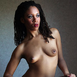 The Chair - Nude Girls, Ebony