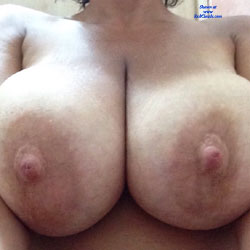 Tits And Pussy - Wife/Wives, Big Tits, Shaved, Amateur