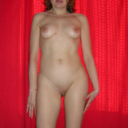 Naked Wife - Nude Wives, Shaved, Amateur