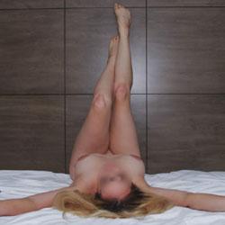 Bedroom Nude Posing - Lingerie, Amateur
