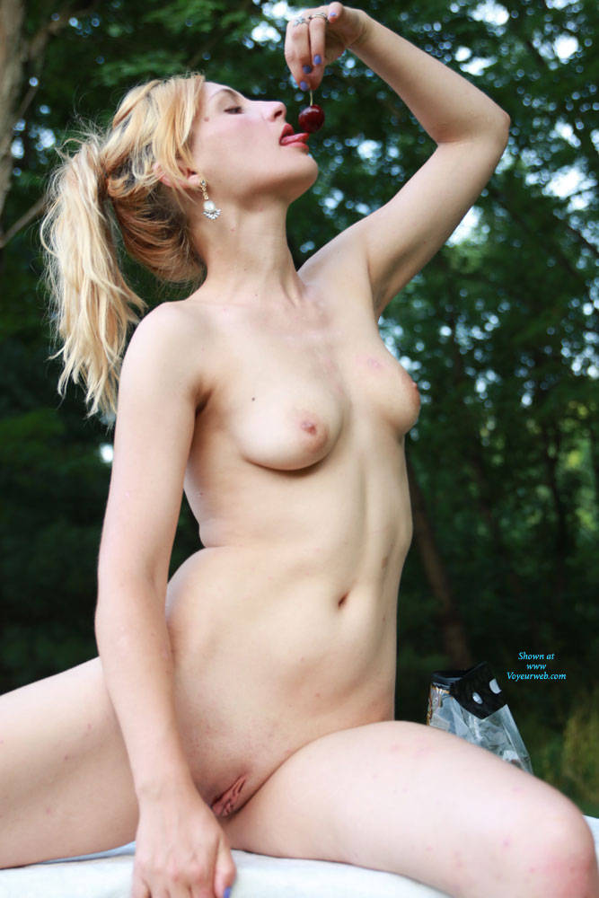 Pic #2 Pipers Picnic - Nude Amateurs, Outdoors, Shaved
