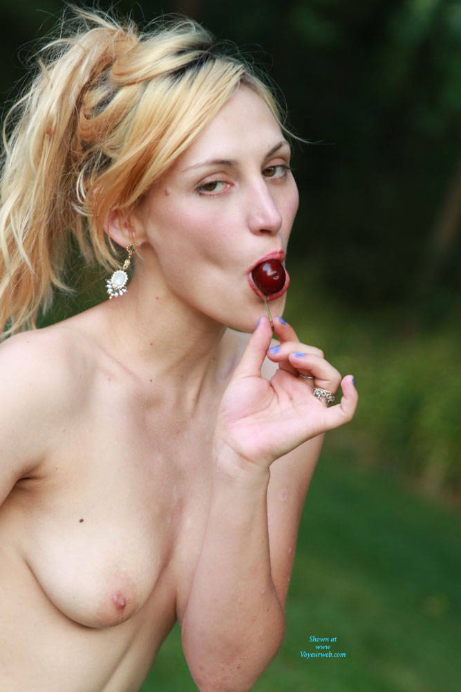 Pic #1 Pipers Picnic - Nude Amateurs, Outdoors, Shaved