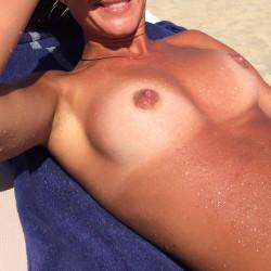 Medium tits of my girlfriend - Lory!