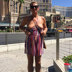 Vegas Trip - Public Exhibitionist, Flashing, Outdoors, Public Place, Wife/wives, Amateur