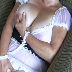 Maid For Fun - Big Tits, Cumshot, Amateur
