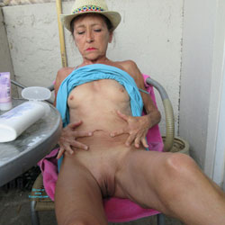 Petit Chapeau - Mature, Outdoors, Small Tits, Shaved, Amateur