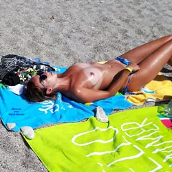Topless On The Beach - Bikini, Brunette Hair, Exposed In Public, Nipples, Nude Beach, Nude In Nature, Nude In Public, Nude Outdoors, Showing Tits, Small Breasts, Small Tits, Sunglasses, Topless Beach, Topless Girl, Topless Outdoors, Topless, Beach Voyeur, Sexy Body, Sexy Girl, Sexy Legs