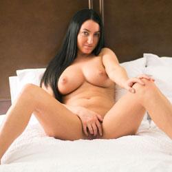 Sleeping Naked - Nude Girls, Big Tits, Brunette, Shaved, Amateur