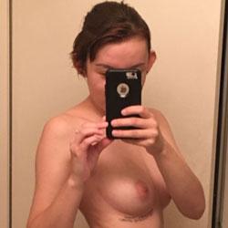 Lil Rosie Selfie - Brunette, Amateur