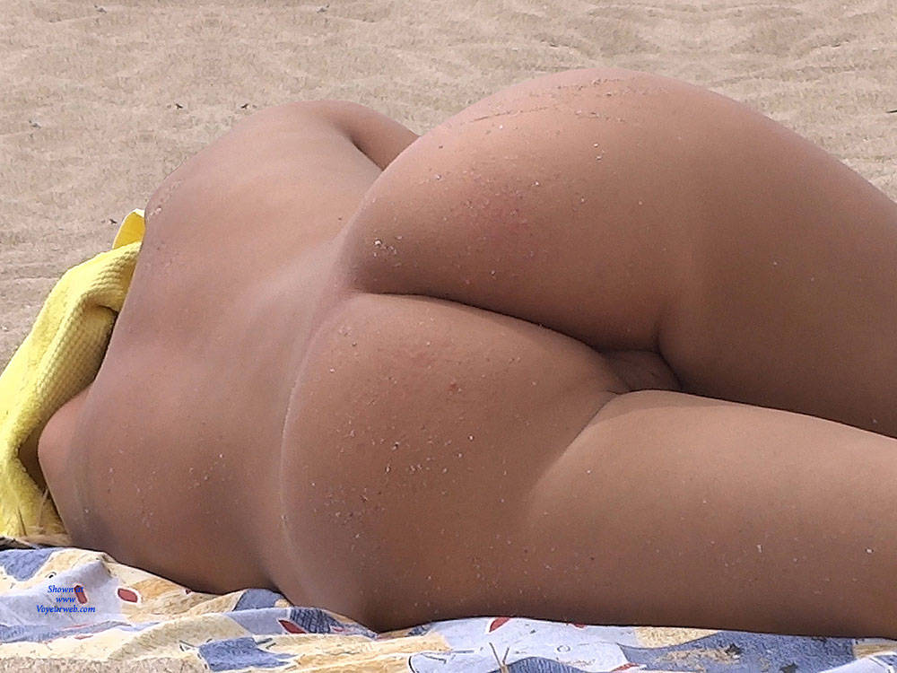 Pic #7 Nice Shapes - Nude Girls, Outdoors, Shaved, Firm Ass, Beach Voyeur, Beach