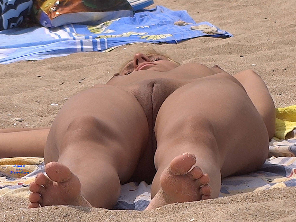 Pic #8 Nice Shapes - Nude Girls, Outdoors, Shaved, Firm Ass, Beach Voyeur, Beach