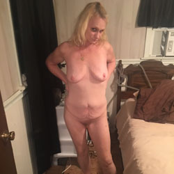Tina 2 - Nude Amateurs