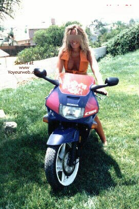 Pic #4 - Bipaige On My Bike