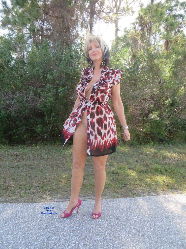 Pic #1 Little Print Dress - Big Tits, High Heels Amateurs, Outdoors, Shaved