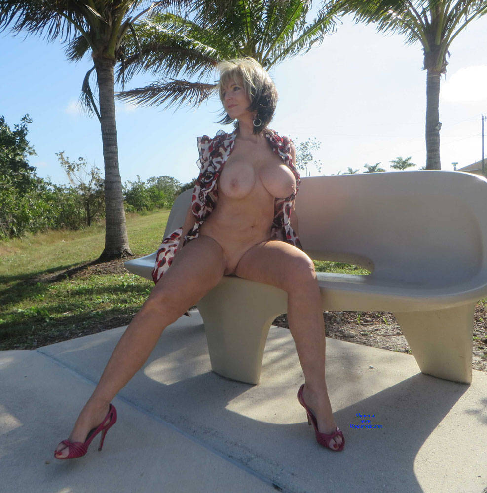 Pic #6 Little Print Dress - Big Tits, High Heels Amateurs, Outdoors, Shaved