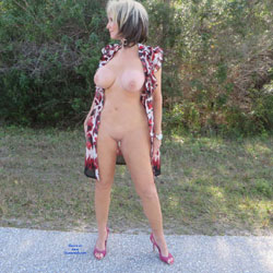Little Print Dress - Big Tits, High Heels Amateurs, Outdoors, Shaved