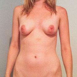 Nude Amateur Girlfriend - Nude Girlfriends, Shaved, Amateur