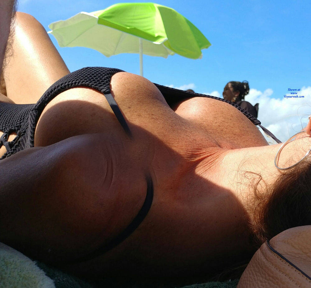 Pic #1 Vacation - Topless Girls, Big Tits, Outdoors, Amateur