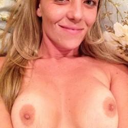 Medium tits of my girlfriend - Tara GF