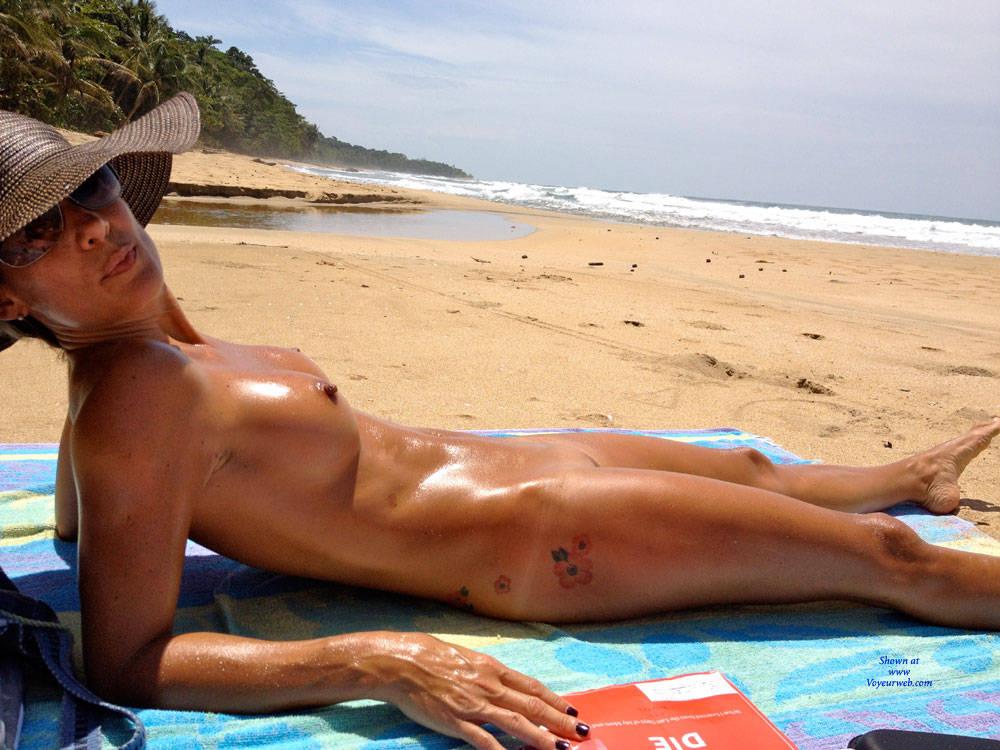 Celebrity Beach Nude Pics Gif