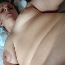 Working That Clit - Nude Wives, Toys, Shaved, Amateur