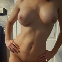 Hot And Tasty - Amateur