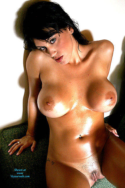 Pic #6 Oily Breasts In Color - Nude Girls, Big Tits, Brunette