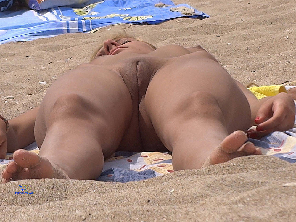 Pic #9 Nice Shapes 2 - Nude Girls, Beach, Blonde, Shaved, Firm Ass, Beach Voyeur