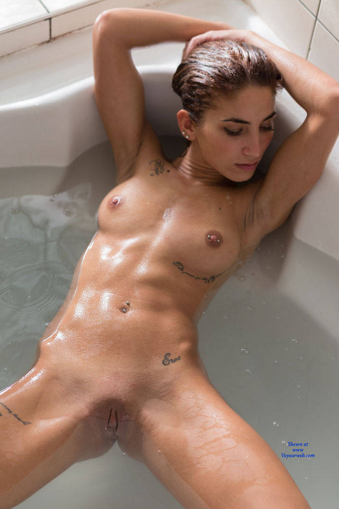 Pic #4 Bathing For My First Contribution - Nude Girls, Brunette, Shaved, Amateur, Firm Ass
