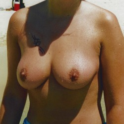 Large tits of my wife - kandl1971